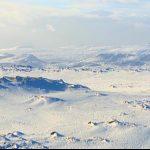 実録サバイバル!ベア・グリルスのアイスランド攻略法、死んだ羊肉の温泉煮
